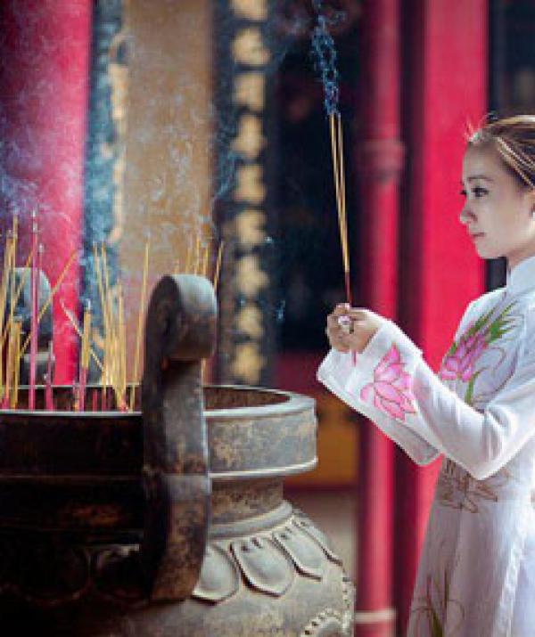 Văn học Phật giáo - Hoa khai Cực Lạc tháng cô hồn