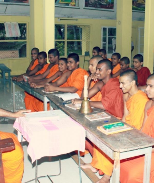 Bài viết, tiểu luận, truyện ngắn - Con đường giáo dục của Phật giáo