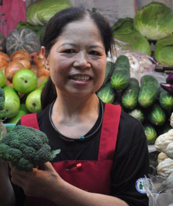 Bài viết, tiểu luận, truyện ngắn - Bà lão bán rau vĩ đại