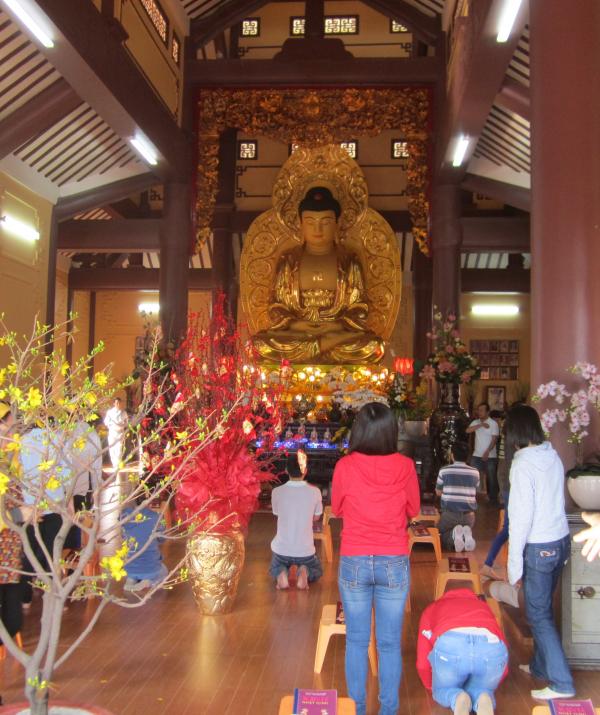 Văn học Phật giáo - Đi chùa để làm gì?